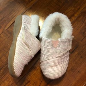 Toms size 7 fur lined